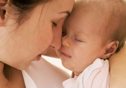 Doğum Sonrası Bebekle İletişim Nasıl Olmalı?